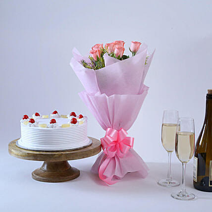 Elegant Wishes - Bunch of 6 Pink Roses with 500gm  Cake.